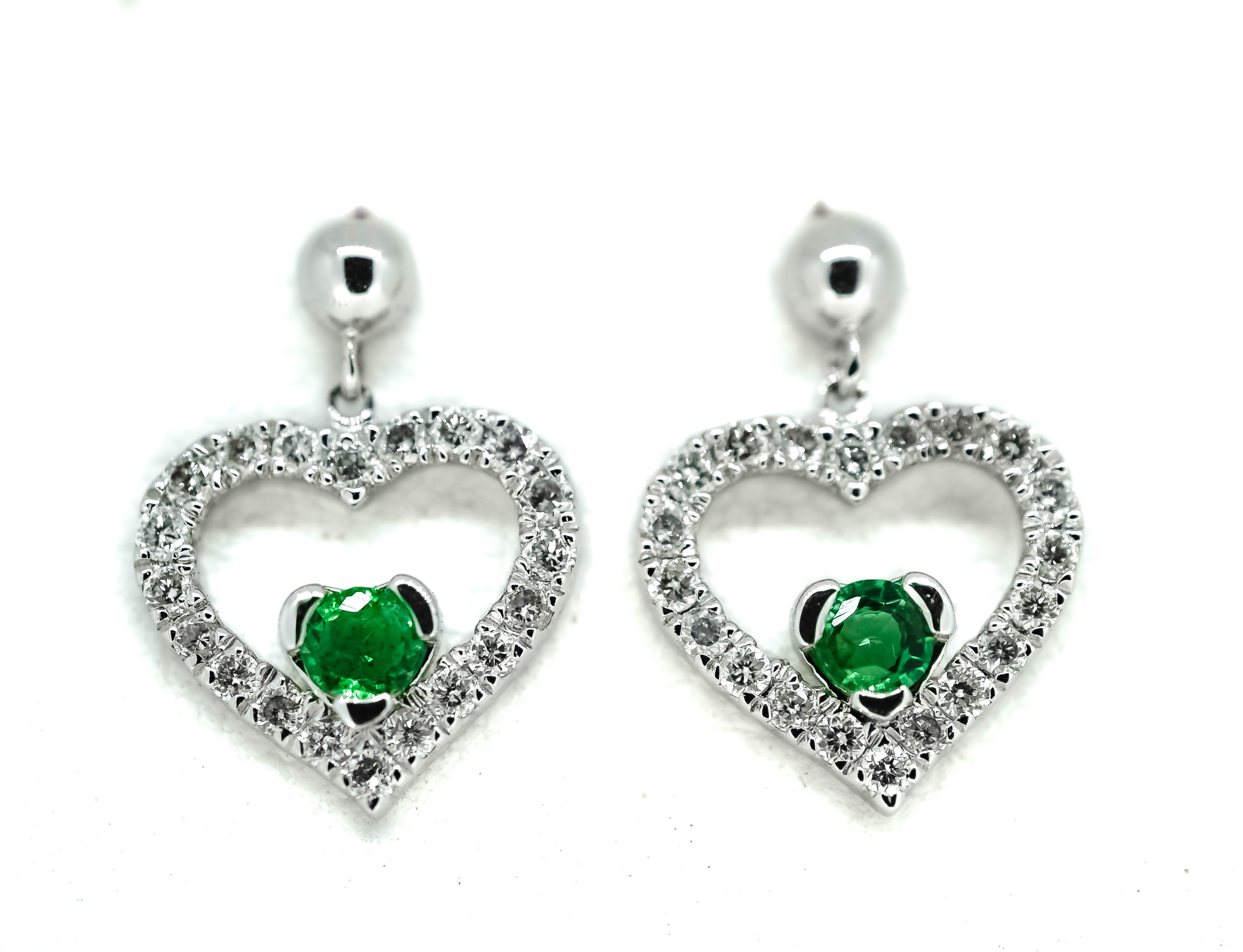 three in d earrings ct f shaped stone diamond earring g prong platinum shape set twt certified heart